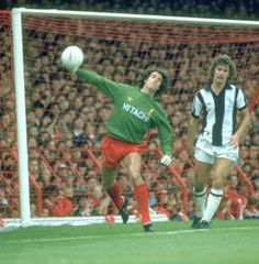 The official Liverpool FC website. The only place to visit for all your LFC news, videos, history and match information. Full stats on LFC players, club products, official partners and lots more. Liverpool Goalkeeper, Liverpool Football Club, Liverpool Fc, Ray Clemence, Bob Paisley, Bryan Robson, Retro Football, West Bromwich, 45 Years