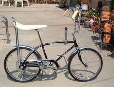 Schwinn Sting Ray - 67 Image Gallery and For Sale Old Bicycle, Cruiser Bicycle, Old Bikes, Vintage Schwinn Bikes, Vintage Bicycles, Lowrider Bicycle, Garage Bike, Chopper Bike, Mini Bike