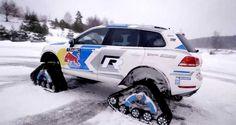 Volkswagen Snowareg based on VW Touareg with turbodiesel TDI engine. Agree, this machin. Vw Toureg, Touareg V8, Sti Car, Chenille, 4x4, First Love, Cars, Vehicles, Engine