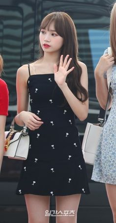 Airport Fashion, Airport Style, Kpop Girl Groups, Kpop Girls, Shining Star, Ioi, Polka Dot Top, Goals, Motivation