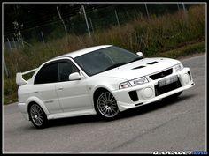 Mitsubishi Evolution V RS