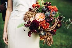 Are you an autumn bride? If so, get ready to *fall* head over heels for these stylish fall wedding bouquet ideas. Bridal Bouquet Fall, Fall Wedding Bouquets, Fall Wedding Flowers, Wedding Flower Arrangements, Bridal Flowers, Fall Flowers, Flower Bouquet Wedding, Autumn Wedding, Floral Wedding