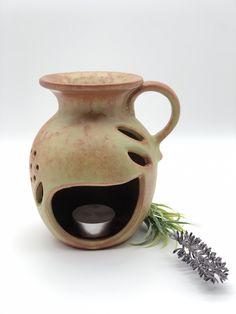 XL Duftlampe Keramik – ca. 15cm Höhe – Handarbeit  – für ätherische Öle - Lavendelparadies Home Decor, Ceramic Pottery, Lavender, Handarbeit, Decoration Home, Room Decor, Interior Design, Home Interiors, Interior Decorating