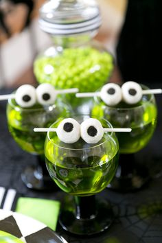 Love this - eyeballs for Halloween - for a drink for a party! Love the green color!