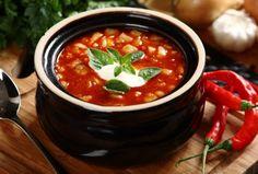 Węgierska zupa z miasta Szeget - przepis z portalu przepisy.pl