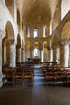 John's Chapel - White Tower, Tower of London, England by John & Tina Reid Romanesque Art, Romanesque Architecture, Places Around The World, Around The Worlds, London History, Kingdom Of Great Britain, England And Scotland, Tower Of London, Place Of Worship