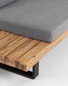 Wood Pallet Furniture, Modern Outdoor Furniture, Wood Sofa, Home Decor Furniture, Furniture Design, Floating Bed Diy, Wooden Sofa Designs, Rustic Sofa, Balkon Design