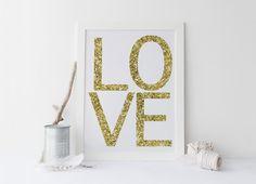 Printable art LOVE GOLD PRINT, printable art, love priint, gold prints, love prints, typography prints, home decor, instant download von sweetandhoneyprints auf Etsy