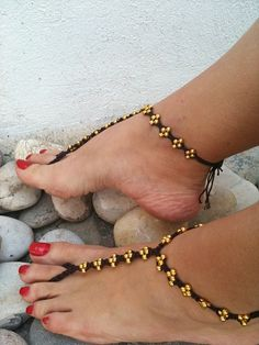 Golden color beads macrame Foot jewelry Anklet by ArtofAccessory Beads Jewelry, Anklet Jewelry, Macrame Jewelry, Macrame Bracelets, Ankle Bracelets, Jewelry Crafts, Jewelry Accessories, Feet Jewelry, Jewlery