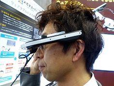 メガネスーパーのメガネ型ウェアラブル端末「b.g.」、プロトタイプ展示中 -INTERNET Watch