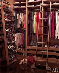 "From Brooke Shields' stylish NY townhouse featured in Architectural Digest: ""Shields's closet, built of rift-sawn white oak, is outfitted with a rolling shoe rack and library ladder by Putnam Rolling Ladder Co."" It's so non-celebrity looking closet! Brooke Shields, Walking Closet, Celebrity Closets, Celebrity Houses, Celebrity Style, Architectural Digest, Ideas De Closets, Closet Ideas, Dressing Room Closet"