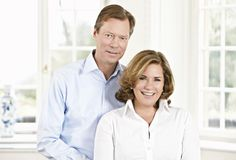 Luxembourg Grand Duke Henri and Grand Duchess Maria Teresa Grand Duc, Maria Teresa, How To Be Graceful, Royal Crowns, Royal House, People Of The World, Aging Gracefully, Her Hair, Marriage