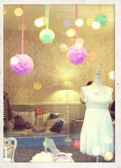 allestimento vetrine negozi abbigliamento - Google Search