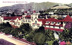 Hotel Hollywood with it's trademark red roof - not many color images of this one remain Hollywood Hotel, Hollywood Party, Hollywood Actor, Vintage Hollywood, Classic Hollywood, Hollywood California, Hotel Sites, Colorized Photos