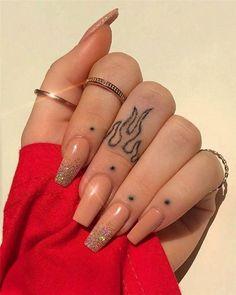 Over 70 trendy finger tattoo designs inspirations 2020 - trendy finger tattoo . - Over 70 Trendy Finger Tattoo Designs Inspirations 2020 – Trendy Finger Tattoo Designs Inspiration - Finger Tattoo Designs, Finger Tattoo For Women, Hand Tattoos For Women, Tattoo Designs For Women, Simple Hand Tattoos, Cool Finger Tattoos, Womens Finger Tattoos, Tattoo Simple, Cute Hand Tattoos
