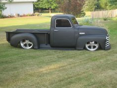 hot rod, muscle cars, rat rods and girls Chevy Pickup Trucks, Classic Chevy Trucks, Gm Trucks, Chevy Pickups, Cool Trucks, Cool Cars, Classic Cars, Chevrolet 3100, Classic Chevrolet