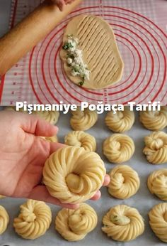 Pişmaniye Poğaça Tarifi – Kurabiye – The Most Practical and Easy Recipes Tunnocks Tea Cakes, Food Carving, Turkish Recipes, Strudel, Artisan Bread, Pasta Recipes, Food Art, Cookie Recipes, Food And Drink