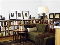 Low bookshelves, art, and a chaise. Small Space Living, Living Spaces, Home Living Room, Living Room Decor, Low Bookshelves, Low Shelves, Vintage Bookshelf, Home Libraries, Eclectic Decor