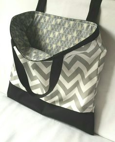 Large shopper, 100% cotton and fully lined.