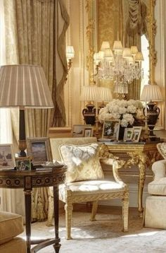 French Style Living Room = next lifetime French Interior, Classic Interior, French Decor, French Country Decorating, Home Theaters, Interior Decorating, Interior Design, French Country House, French Furniture