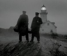 Trailers, images and posters for Robert Eggers' psychological horror film THE LIGHTHOUSE starring Willem Dafoe and Robert Pattinson. Lighthouse Movie, Lighthouse Keeper, Lin Manuel, Movie Shots, I Movie, Robert Pattinson, Thriller, Science Fiction, Willem Dafoe