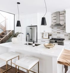 white modern kitchen design and decor ideas Kitchen Interior, Kitchen Decor, Kitchen Design, Nice Kitchen, Kitchen Black, Sweet Home, Home Modern, My New Room, House Rooms