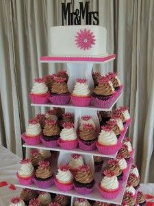 Pink daisy wedding cupcakes