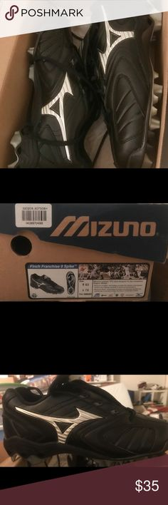 NWT Mizuno softball cleats women's size 8.5 This is a beautiful pair of brand new cleats! We bought these for my daughter and she decided to stop playing ball. The model is Finch Franchise 9 spike. Originally $60. All black with silver accents. Mizuno Shoes Athletic Shoes