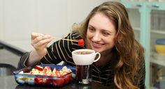 Transforme uma lata de refri em um ótimo suporte para fazer um delicioso fondue em casa!