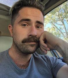 Scruffy Men, Hairy Men, Bearded Men, Men Beard, Mustache Styles, Beard No Mustache, Walrus Mustache, Big Moustache, Short Beard