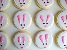 Easter Bunny Iced Sugar Cookies- easy to make design and delicious recipe! | The Monday Box
