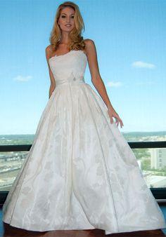 pretty dress by Eugenia