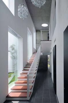 半谷彰英建築設計事務所/Akihide Hanya Architect & Associates の モダンな 家 Tender concrete