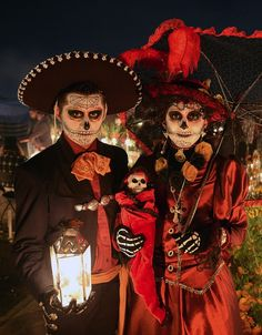 go to a dia de los muertos celebration!!! Dia de los Muertos Celebrations From Around the World