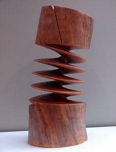 Les sculptures de bois en torsion de Xavier Puente Vilardell Les sculptures de…