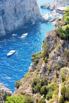 Capri (Napoli),Italy blue hole is amazing and scary little boats into caves
