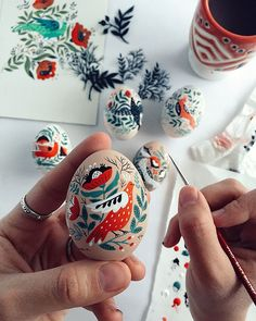 Dinara Mirtalipova creates colorful hand-painted eggs inspired by her Uzbek heritage. Her series of folk art Easter eggs put a unique spin on the craft. Ostern Party, Diy Ostern, Art D'oeuf, Easter Illustration, Easter Monday, Easter Egg Designs, Ukrainian Easter Eggs, Guache, Egg Art
