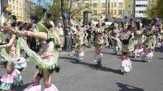 Play - Kallio-in-bloom-parade-2014-kallio-kukkii-paraati