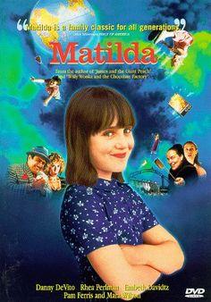 1996 - Matilda - Mara Wilson, Danny DeVito, Rhea Perlman, Pam Ferris, and Embeth Davidtz Childhood Movies, All Movies, Great Movies, Disney Movies, Awesome Movies, Iconic Movies, Mara Wilson, Danny Devito, Family Movie Night