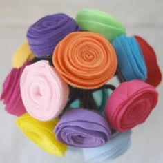 DIY: Five Different Fabric Flower Tutorials from Simple Crafter