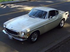 1971 Volvo P1800-E Coupe Front Classic Sports Cars, Classic Cars Online, Volvo, Dream Garage, Cars And Motorcycles, Dream Cars, Classic Style, Gentleman, Porsche