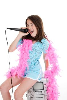 """Tween""  birthday party ideas - karaoke. For Karaoke products, go to www.mediacom-me.com"