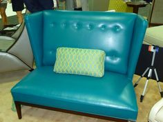 Showstopper, in color Caribbean on a settee.