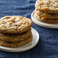 Pumpkin Spice Toffee Cookies Recipe (PS chips, no actual pumpkin tho)