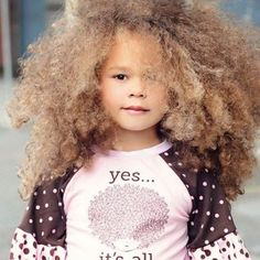 uff! I want my kids to have hair like her