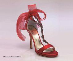 46131M18 Sandales soie rouge 12cm Wedding Shoes, Stuart Weitzman, Stiletto Heels, Fashion, Sandals, Red Silk, Bhs Wedding Shoes, Moda, Wedding Boots