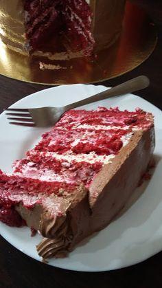 Csibekalandok: Vörösbársony torta málnás meglepetéssel