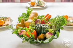 We've teamed up with Ampleharvest.org to show you have to create a DIY edible centerpiece you can donate to a food pantry after the holiday meal this year.[med…
