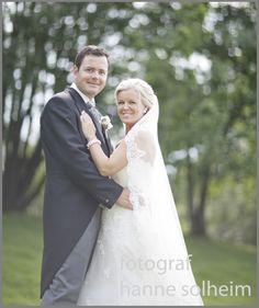 brudepar gamlehaugen - Google-søk Wedding Dresses, Google, Fashion, Dress Wedding, Bridal Dresses, Moda, Bridal Gowns, Wedding Gowns, Weding Dresses