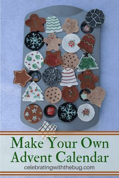 How to make an Advent Calendar! This adorable felt craft will get you in the mood for Christmas and add a little Christmas cookie cheer to your holiday decor! #DIYadventcalendar
